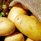 potatoes-1585060_1920